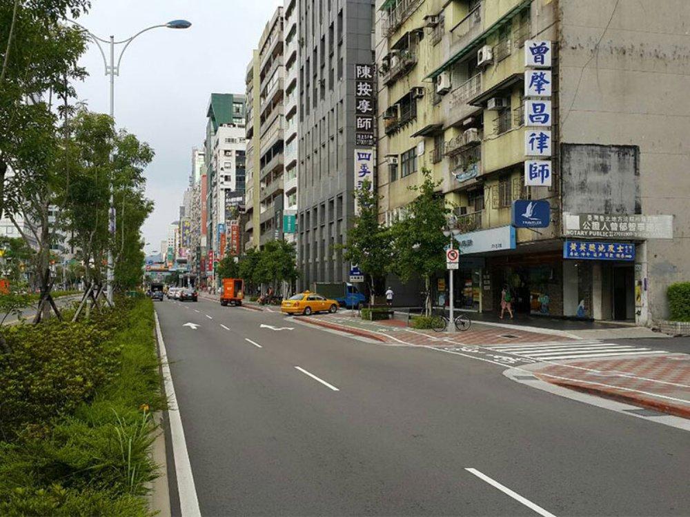 A4074-信義路附中店面-02