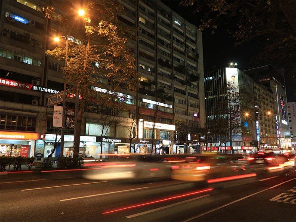 A3835-台北忠孝東路阿波羅廣場-02