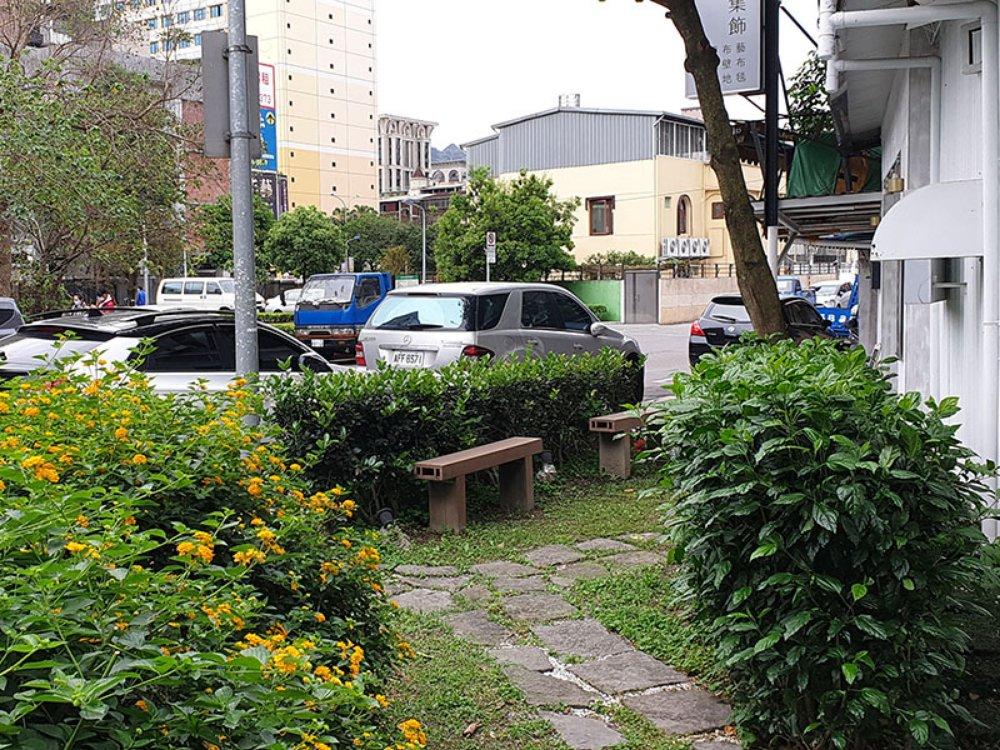 A4664-忠孝東路5段面公園住三角地-03