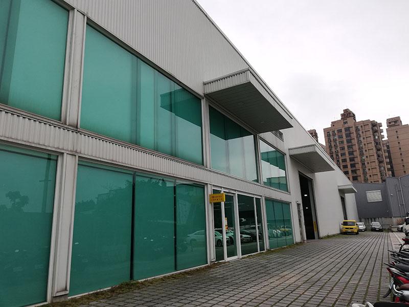 完整長方型漂亮基地,挑高11米廠房,附辦公 空間及展示空間