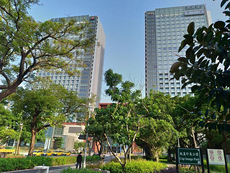 RE0139 租國泰南港路三段預租商辦